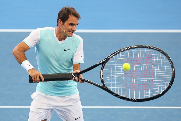 Federer chat vat thi dau cung chiec vot co dai hinh anh