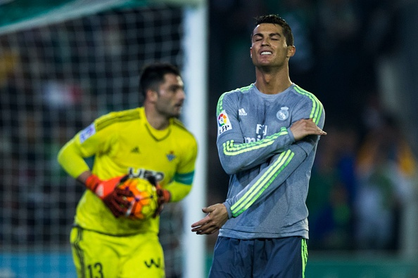 Ronaldo va dong doi kem duyen, Real dut mach thang hinh anh 3