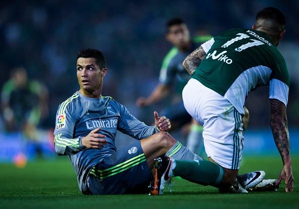 Ronaldo va dong doi kem duyen, Real dut mach thang hinh anh 4