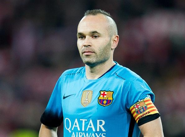 Bi duoi 2 nguoi, Atletico Madrid thua nguoc Barcelona 1-2 hinh anh 2