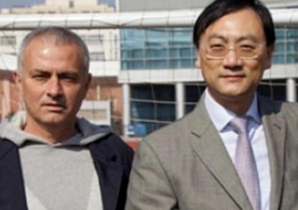 Dai gia Trung Quoc muon vuot MU, gianh Mourinho hinh anh