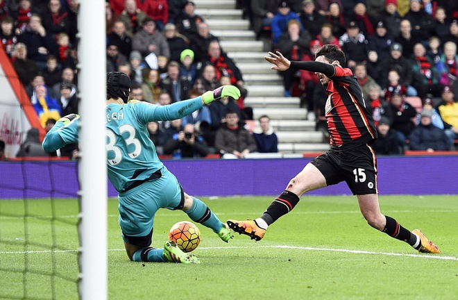 Ha Bournemouth 2-0, Arsenal tro lai duong dua vo dich hinh anh 11