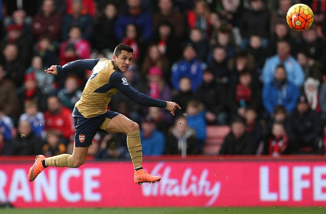 Ha Bournemouth 2-0, Arsenal tro lai duong dua vo dich hinh anh 8