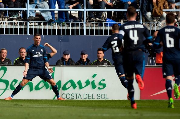 Ronaldo da hong phat den, Real bi Malaga cam hoa 1-1 hinh anh 11