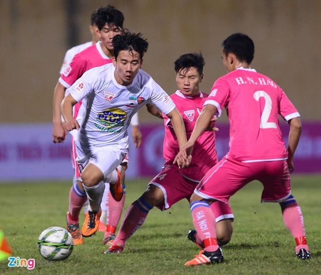 Thang Ha Noi 5-0, HAGL dan dau V.League hinh anh 10