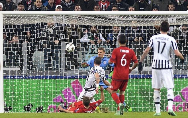 Dan truoc 2 ban, Bayern van de Juve cam hoa 2-2 hinh anh 11