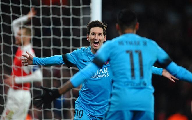 Messi pha dop Petr Cech, giup Barca dat mot chan vao tu ket hinh anh 3