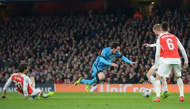 Messi pha dop Petr Cech, giup Barca dat mot chan vao tu ket hinh anh 4