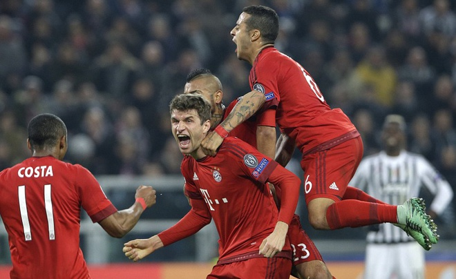 Dan truoc 2 ban, Bayern van de Juve cam hoa 2-2 hinh anh 5