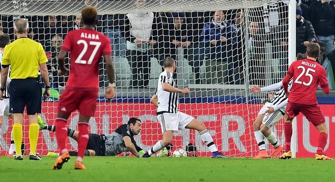Dan truoc 2 ban, Bayern van de Juve cam hoa 2-2 hinh anh 6