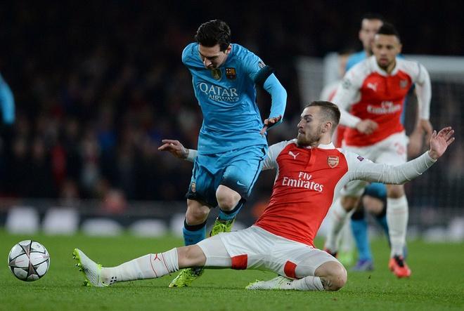 Messi pha dop Petr Cech, giup Barca dat mot chan vao tu ket hinh anh 7
