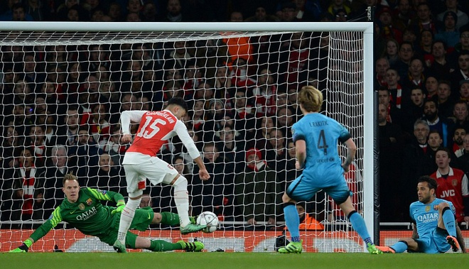 Messi pha dop Petr Cech, giup Barca dat mot chan vao tu ket hinh anh 9
