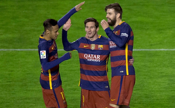 Messi lap hat-trick, Barca vuot ky luc bat bai cua Real hinh anh 2