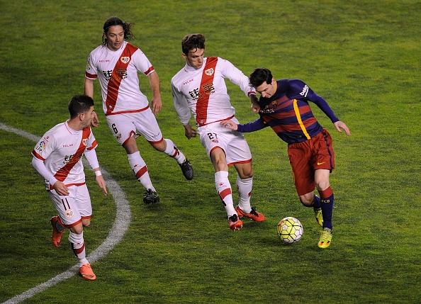 Messi lap hat-trick, Barca vuot ky luc bat bai cua Real hinh anh 3
