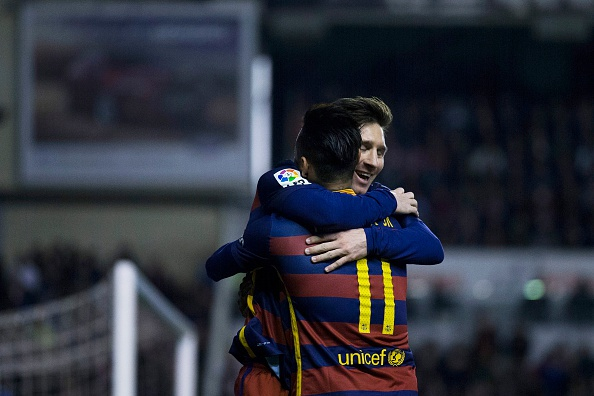 Messi lap hat-trick, Barca vuot ky luc bat bai cua Real hinh anh 4