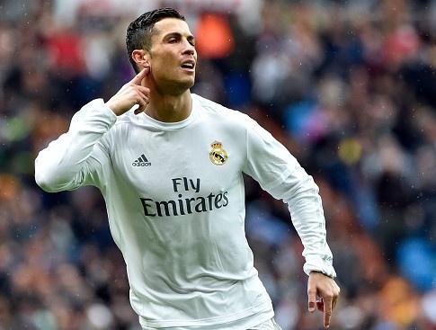 Ronaldo ghi 4 ban, Real dai thang Celta 7-1 hinh anh