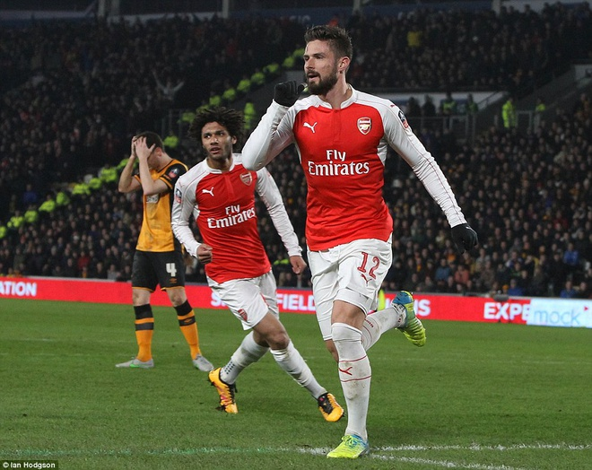 Giroud, Walcott lap cu dup, Arsenal vao tu ket cup FA hinh anh 2