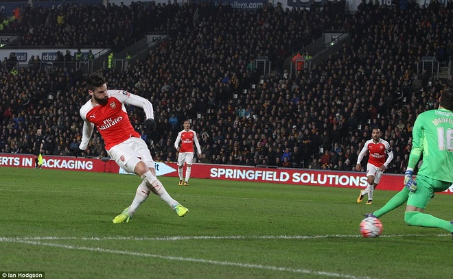 Giroud, Walcott lap cu dup, Arsenal vao tu ket cup FA hinh anh 3