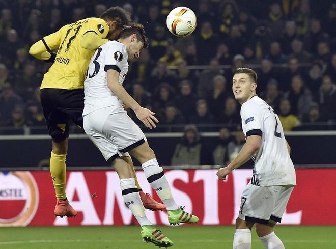 Dortmund thang dam Tottenham nho cu dup cua Reus hinh anh 3