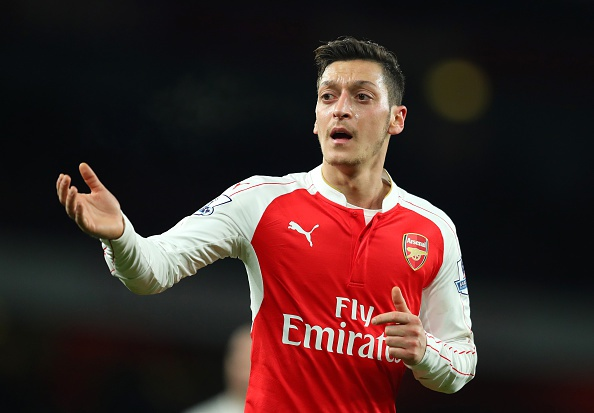 Bi loai khoi FA Cup, Arsenal doi mat mua giai trang tay hinh anh 4