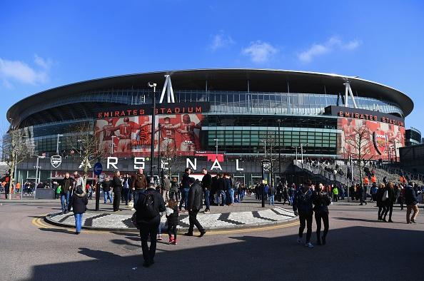 Bi loai khoi FA Cup, Arsenal doi mat mua giai trang tay hinh anh 10
