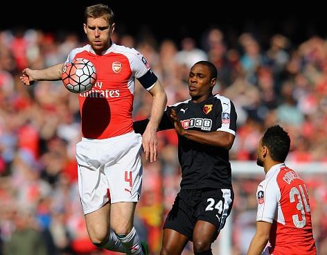 Bi loai khoi FA Cup, Arsenal doi mat mua giai trang tay hinh anh 12