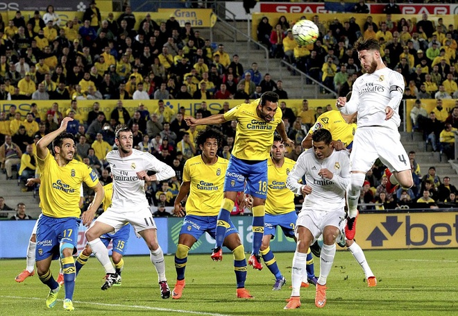 Ronaldo mo nhat, Real gianh 3 diem nho ban thang phut 89 hinh anh 4