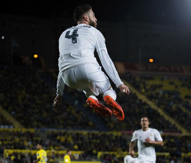 Ronaldo mo nhat, Real gianh 3 diem nho ban thang phut 89 hinh anh 6