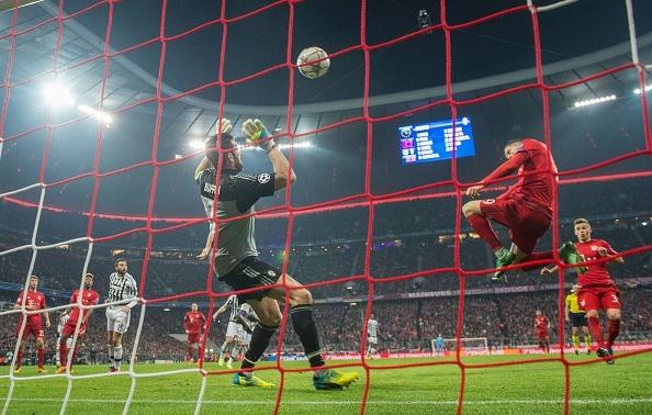 Bayern 4-2 Juventus: Hum Xam nguoc dong kich tinh hinh anh 13