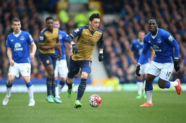 Welbeck lap cong, Arsenal danh bai Everton 2-0 hinh anh 13