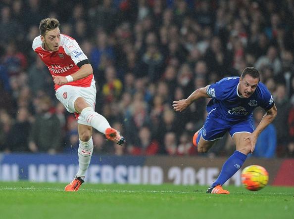 Welbeck lap cong, Arsenal danh bai Everton 2-0 hinh anh 9