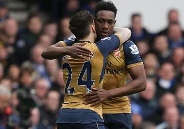 Welbeck lap cong, Arsenal danh bai Everton 2-0 hinh anh