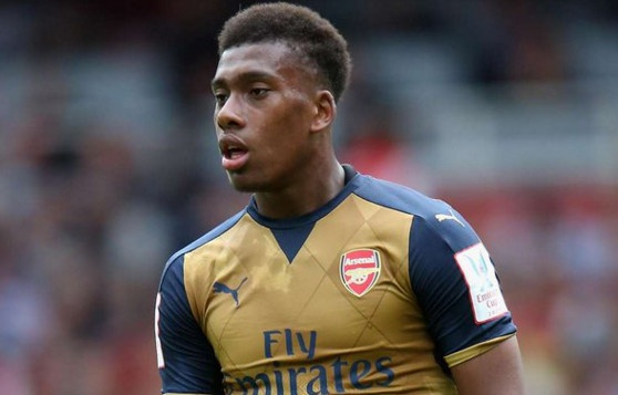 Welbeck lap cong, Arsenal danh bai Everton 2-0 hinh anh 14