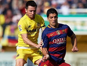 Barcelona dut mach thang du dan truoc 2 ban hinh anh