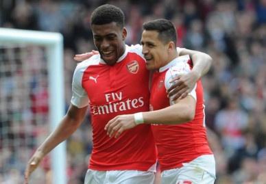 Cung thang dam 4-0, Arsenal va Man City nuoi hy vong vo dich hinh anh