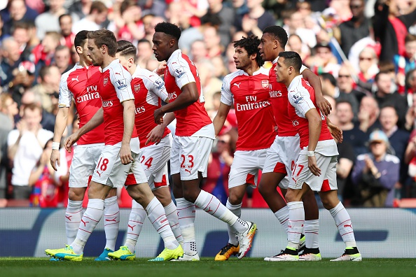 Cung thang dam 4-0, Arsenal va Man City nuoi hy vong vo dich hinh anh 11