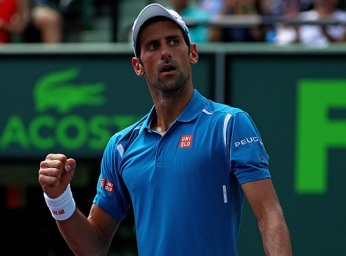 Djokovic tien sat ky luc vo dich Miami Open cua Andre Agassi hinh anh