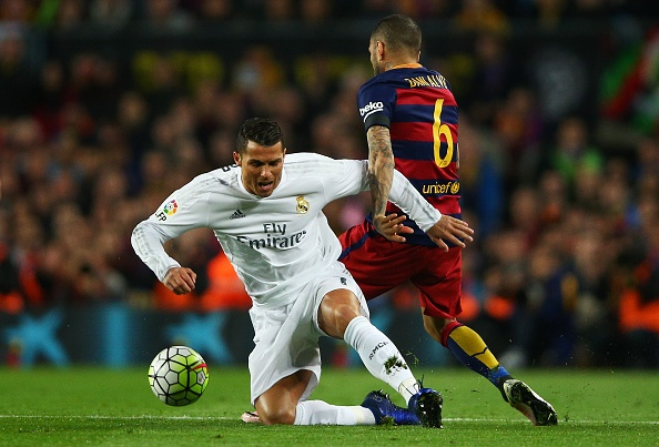 Ramos nhan the do, Real van nguoc dong thang Barca 2-1 hinh anh 19