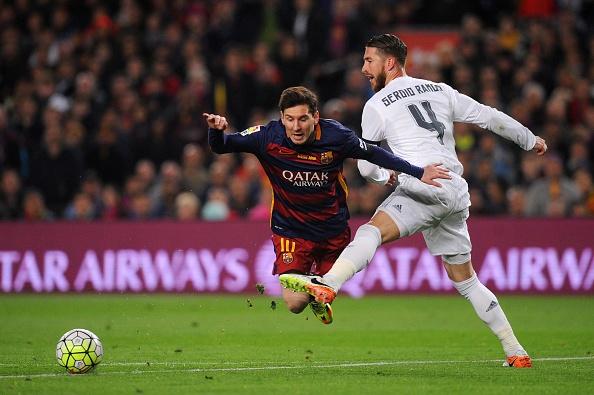 Ramos nhan the do, Real van nguoc dong thang Barca 2-1 hinh anh 20