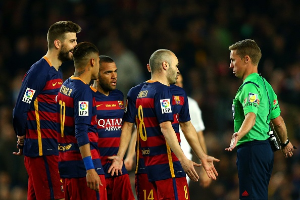 Ramos nhan the do, Real van nguoc dong thang Barca 2-1 hinh anh 23