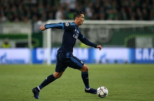 Thua Wolfsburg 0-2, Real doi mat nguy co bi loai hinh anh 16