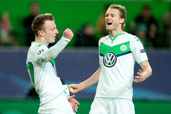 Thua Wolfsburg 0-2, Real doi mat nguy co bi loai hinh anh 13