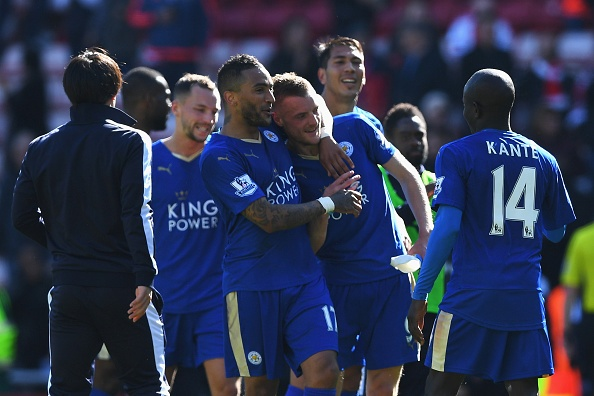 Vardy lap cu dup, Leicester cham mot tay vao chuc vo dich hinh anh 10