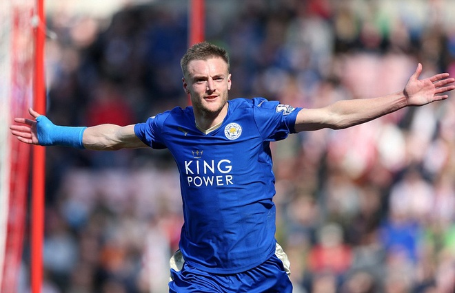 Vardy lap cu dup, Leicester cham mot tay vao chuc vo dich hinh anh 1