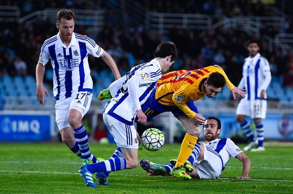 Barca thua Sociedad, co hoi mo ra cho Real, Atletico hinh anh 3