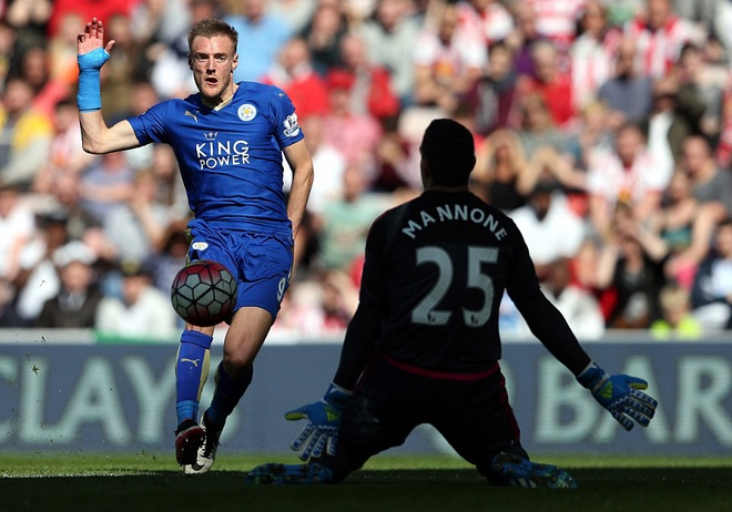 Vardy lap cu dup, Leicester cham mot tay vao chuc vo dich hinh anh 3