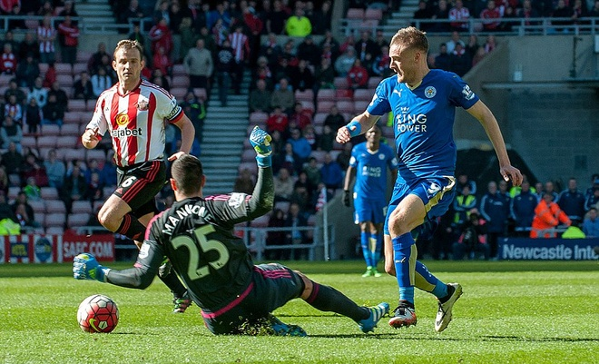 Vardy lap cu dup, Leicester cham mot tay vao chuc vo dich hinh anh 4
