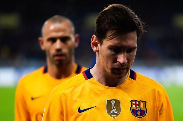 Barca thua Sociedad, co hoi mo ra cho Real, Atletico hinh anh