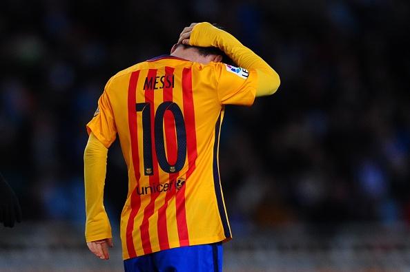 Barca thua Sociedad, co hoi mo ra cho Real, Atletico hinh anh 4