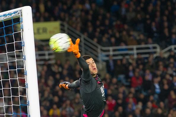 Barca thua Sociedad, co hoi mo ra cho Real, Atletico hinh anh 7
